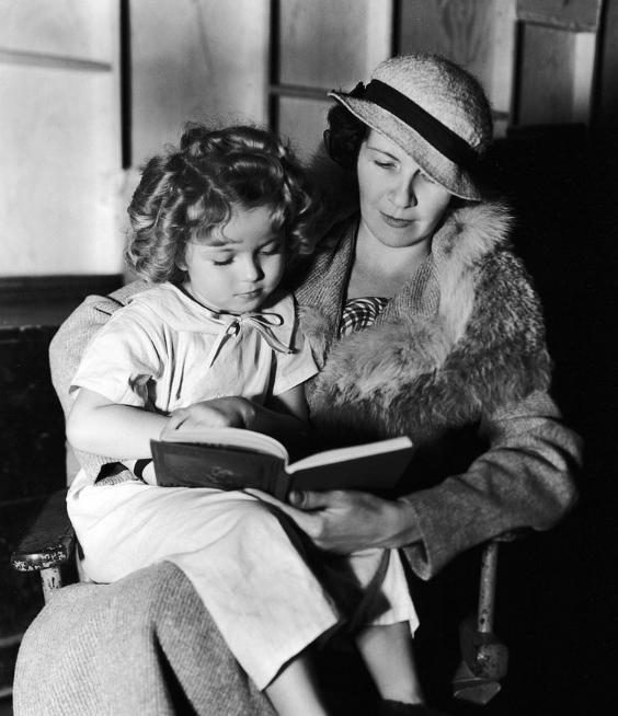 Shirley Temple và mẹ.