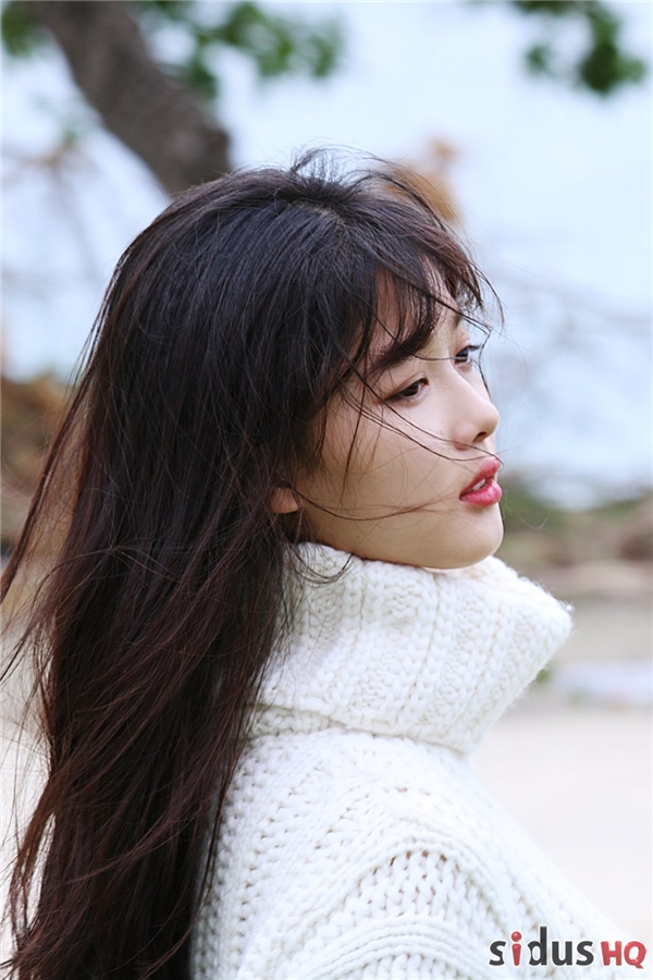 """Ngất ngây """"1001 sắc thái xinh đẹp hoàn mĩ"""" của Kim Yoo Jung"""