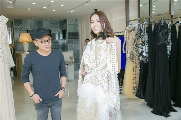 Hé lộ trang phục Lê Hà diện tại Victoria's Secret 2016