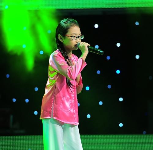 Phương Mỹ Chi gầy gò thời điểm tham gia The Voice Kids 2013.
