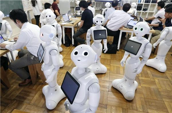 100% nhân viên cửa hàng đều là robot. (Ảnh: internet)