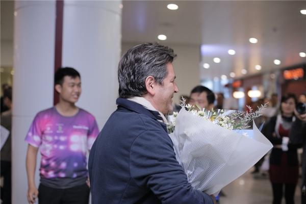 Thomas Anders bày tỏ sự hài lòng về thời tiết Hà Nội khá dễ chịu.Bên cạnh đó, giọng ca huyền thoại khẳng định ông sẽ cùng khán giả hết mình trong 2 đêm nhạc sắp tới vào 26/11 và 27/11 sắp tới.