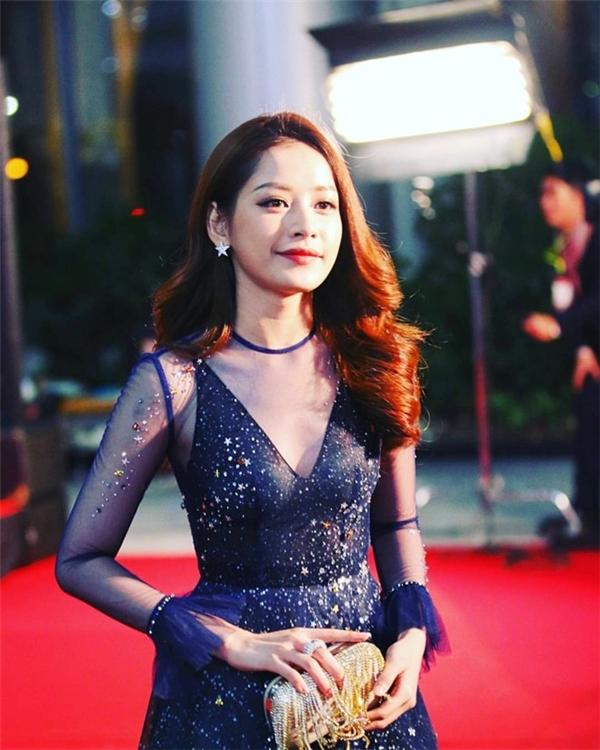 Chi Pu lại khiến fan thổn thức vì quá lộng lẫy trên thảm đỏ Hàn Quốc - Tin sao Viet - Tin tuc sao Viet - Scandal sao Viet - Tin tuc cua Sao - Tin cua Sao