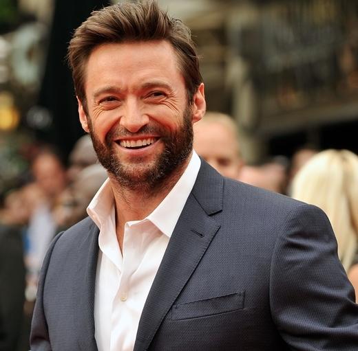 """Người sói Wolverine Hugh Jackman xếp hạng thứ 9. Ngôi sao Les Misérablesnay đã có phần hơi xuống sắc và tiều tụy hơn vẻ dũng mãnh năm xưa. Dẫu vậy, Hugh vẫn trụ vững trên top 10 những người đàn ông luôn khiến mọi người """"thèm khát""""."""