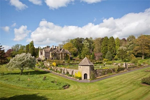 Biệt thự này tên là Abbotswood Estate, được coi là một trong những bất động sản đắt giá nhất nước Anh.
