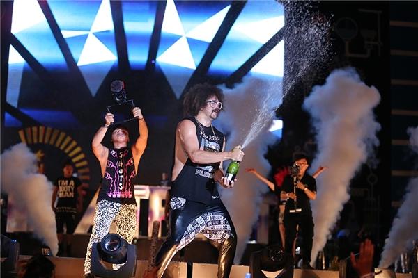 Redfoo và những hình ảnh cực thăng hoa trên sân khấu YAN Beatfest 2016