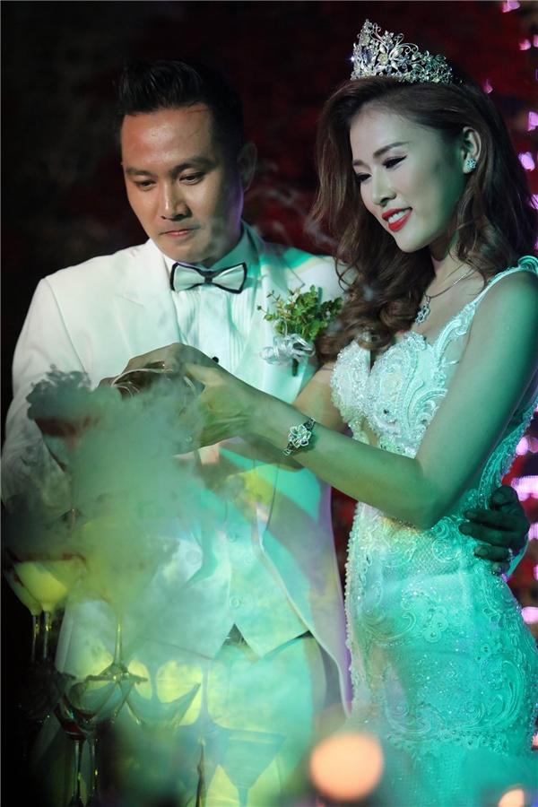 Sau hơn ba năm yêu nhau, cặp đôi Thiên Bảo - Kim Yến đã chính thức nên duyên chồng vợ. - Tin sao Viet - Tin tuc sao Viet - Scandal sao Viet - Tin tuc cua Sao - Tin cua Sao