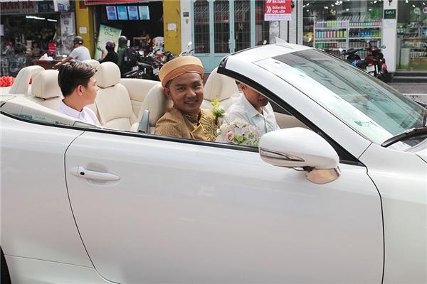 """Thiên Bảo sử dụng""""siêu xe"""" mui trần để đi đón cô dâu Kim Yến. - Tin sao Viet - Tin tuc sao Viet - Scandal sao Viet - Tin tuc cua Sao - Tin cua Sao"""