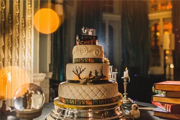 Chiếc bánh cưới đậm chất Harry Potter.(Ảnh: Internet)