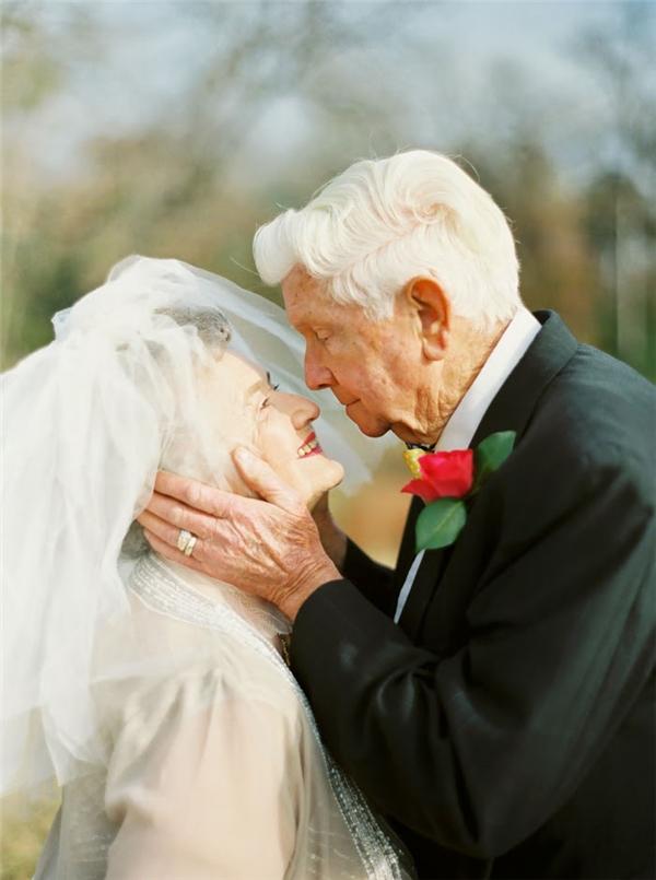 Tình yêu và hạnh phúc vẫn trọn vẹn như thuở ban đầu.(Ảnh: Internet)