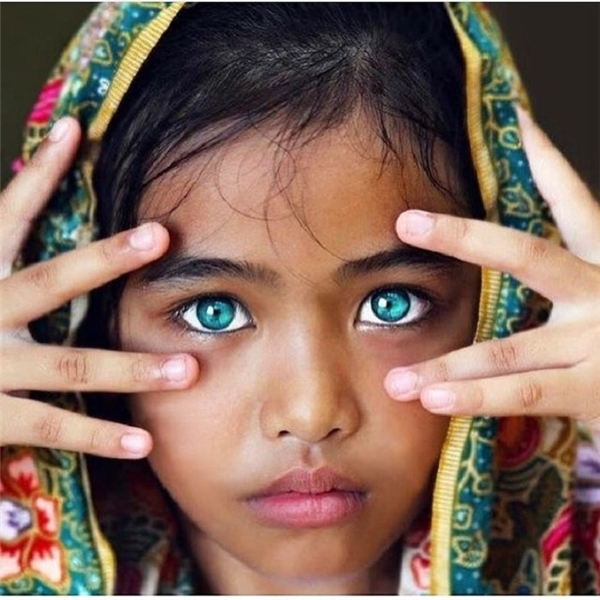 Bạn có dám cam đoan màu mắt này sẽ không gây ám ảnh không nào?