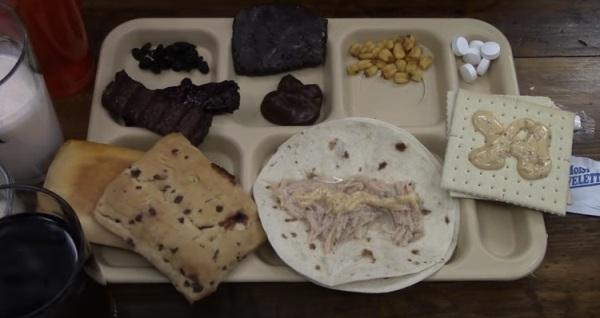 Gói đồ ăn của binh sĩ Mĩ cung cấphoạt động trong một ngày.