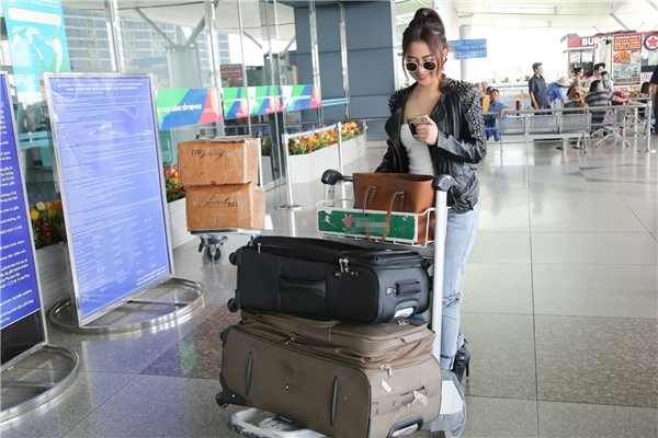 Trang Moon cho biết, cô rất bất ngờ và vinh dự khi nhận được lời mời tham dự Korean Culture Entertainment Awards. - Tin sao Viet - Tin tuc sao Viet - Scandal sao Viet - Tin tuc cua Sao - Tin cua Sao