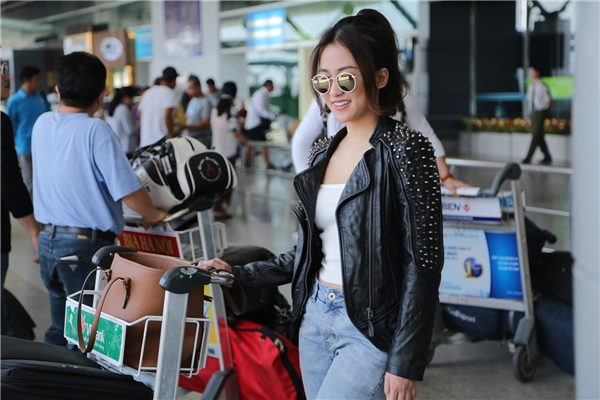 Trước đó, vào cuối tháng 10 vừa qua, DJ Trang Moon bất ngờ nhận được thư mời tham dự giải thưởng Korean Culture Entertainment Awards thông qua công ty đại diện hiệp hội nhà báo Hàn Quốc tại Việt Nam. - Tin sao Viet - Tin tuc sao Viet - Scandal sao Viet - Tin tuc cua Sao - Tin cua Sao