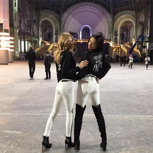 Hé lộ sân khấu show thời trang