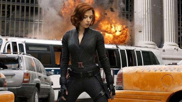 Dù không sở hữu sức mạnh siêu nhiên nhưng Black Widow (Góa phụ đen) do nữ diễn viênScarlett Johansson thủ vai là thành viên rất quan trọngcủa biệt đột The Avengers. Với sự dũng cảm vốn có, Black Widow không hề bị lép vế trướcCaptain America hay Thor, cô luôn sẵn sàng chiến đấu bất cứ lúc nào để giành được chiến thắng trước các đối thủ có sức mạnh vượt trội.