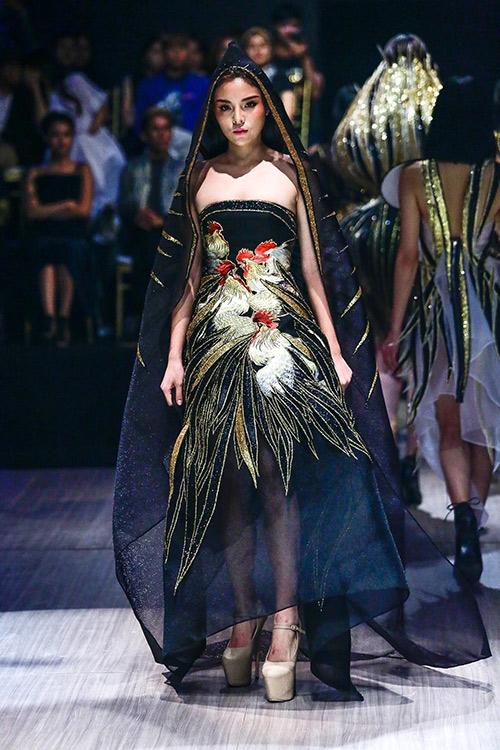 Kỳ Duyên nhận không ngớt lời khen với vai trò vedette cho bộ sưu tập của nhà thiết kế Võ Công Khanh trong sự kiện thời trang gần đây.