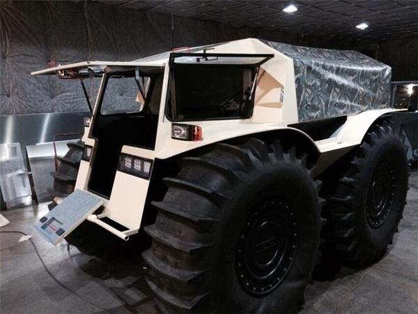 Siêu xe địa hình này được sản xuất tại thành phố St. Petersburg của Nga và có giá 3,85 triệu rúp cho phiên bản rẻ nhất. (Ảnh: internet)