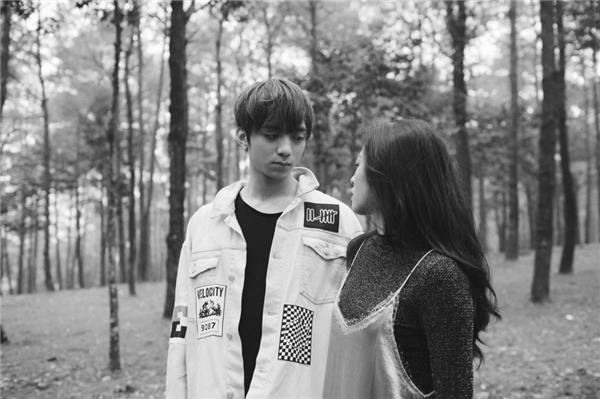 Soobin Hoàng Sơn nhập tâm diễn xuất vai chàng trai dành tình yêu đơn phương cho cô gái. - Tin sao Viet - Tin tuc sao Viet - Scandal sao Viet - Tin tuc cua Sao - Tin cua Sao