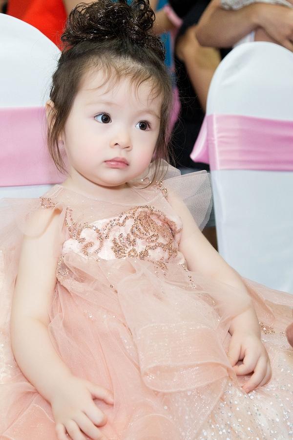 Bất ngờ trước vẻ đẹp như thiếu nữ của con gái nhà Elly Trần - Tin sao Viet - Tin tuc sao Viet - Scandal sao Viet - Tin tuc cua Sao - Tin cua Sao