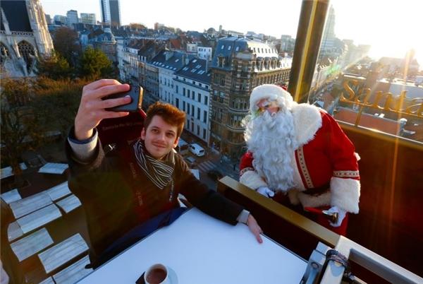 Bữa tiệc giáng sinh đặc biệt khiến nhiều thực khách thích thú.