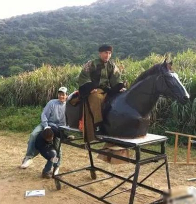 Hầu hết những cảnh cưỡi ngựa trong phim cổ trang đầu không quay thật mà chỉ dùng ngựa giả.