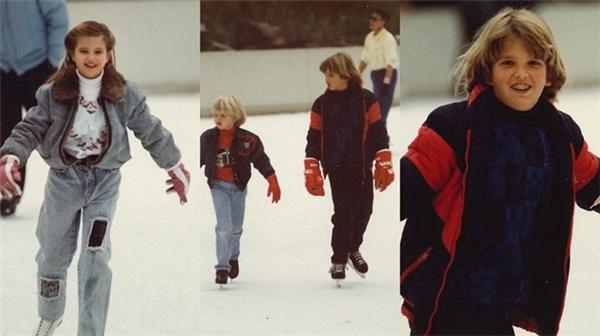 Gia đình Trump lúc cùng nhau đi trượt băng.
