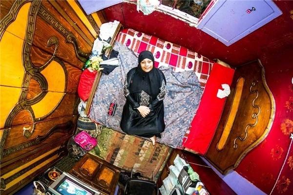 Azza, 19 tuổi, nội trợ, sinh sống tạiCairo, Ai Cập.