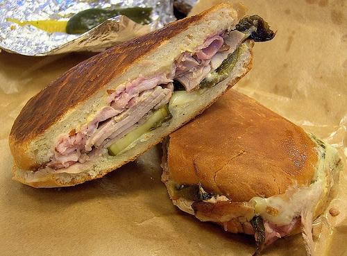 Món bánh mì Cuba được nướng giòn rụm mà chắc hẳn ai đã từng xem phim Siêu đầu bếp - Chef (2014) cũng thòm thèm muốn thử. (Ảnh: Internet)