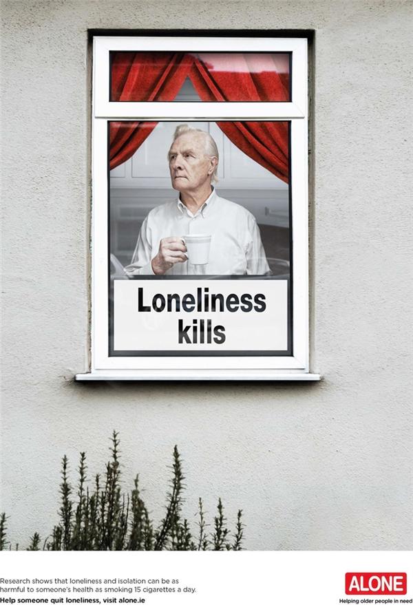 Sự cô đơn và tách biệt ảnh hưởng xấu đến sức khỏe của người lớn tuổi không khác gì việc hút 15 điếu thuốc lá mỗi ngày. Hãy quan tâm và chia sẻ, đừng để họ trải qua những ngày tháng cuối đời trong cô độc.