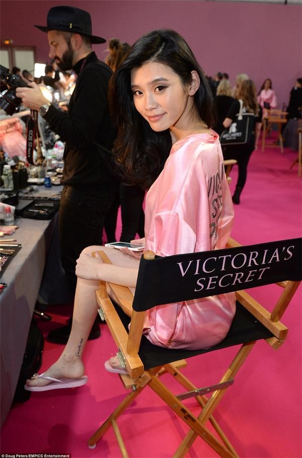 Liu Wen, Sui He và Ming Xi, 3 chân dài châu Á hiếm hoi xuất hiện tại Victoria's Secret trong những năm gần đây.