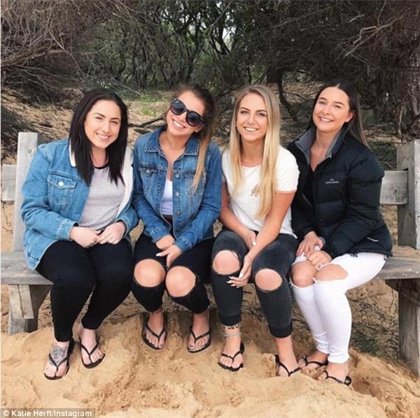 Taylor McCracken,Katie Herft,Chloe Musgrave,và Haylee Payne (từ trái sang phải)(Ảnh: Katie)