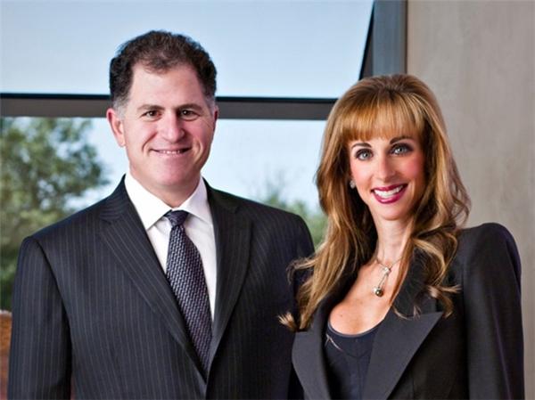 Tổng giá trị tài sản hiện tại của Michael là hơn 20 tỷ đô la (hơn 453 ngàn tỷ đồng).