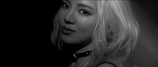 Hyoyeon gây sốt với loạt ảnh quyến rũ trong MV solo