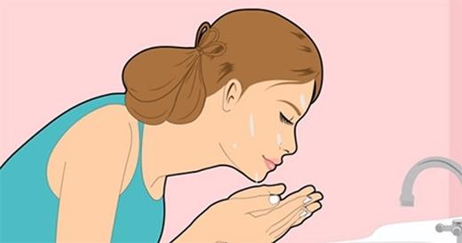 Rửa mặt thật sạch là điều kiện tiên quyết để có một làn da trẻ khỏe.