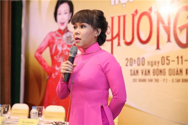Trong đầu tháng 11 vừa qua, Việt Hương tổ chức liveshow tri ân khán giả với mức đầu tư 6 tỉđồng. Điểm nổi bật ở đây là đêm liveshow dành phần lớn vé miễn phí tặng cho khán giả, như một lời tri ân đầy tình nghĩa của nữ diễn viên dành cho ngườihâm mộ. - Tin sao Viet - Tin tuc sao Viet - Scandal sao Viet - Tin tuc cua Sao - Tin cua Sao