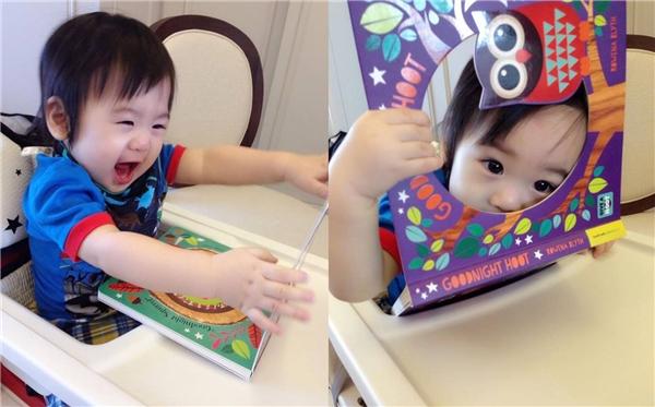 Hai bé lớn nhanh như thổi và ngày càng đáng yêu giống Lâm Chí Dĩnh.