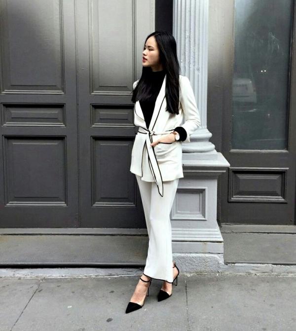 Tuyết Lan tham gia một sự kiện tại Mỹ với thiết kế pijama cách điệu tinh tế qua hai tông màu trắng, đen cổ điển.
