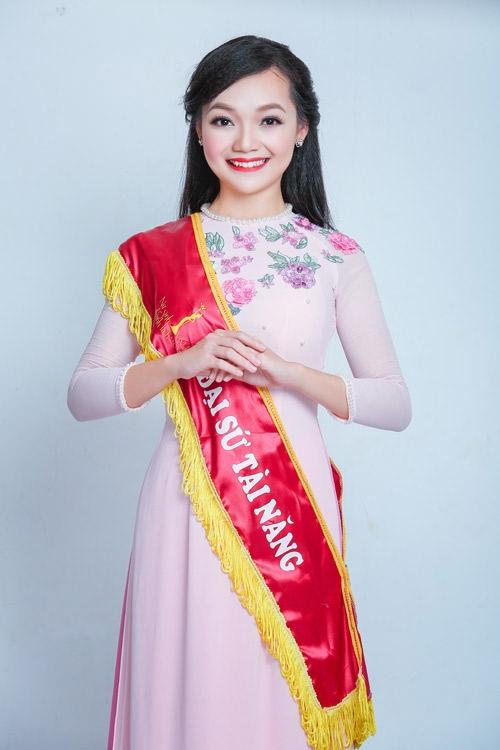 Mỹ Linh là đại sứ tài năng của trường đại học Khoa học Xã hội và Nhân văn - ĐHQG Hà Nội.
