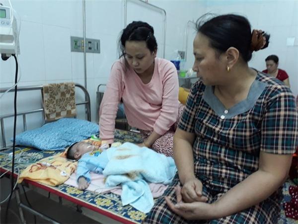 Kết quả siêu âm trước khi sinh cho thấythai nhi nặnghơn 4kg, nhưng bác sĩ vẫn buộc sản phụ phải sinh thường. (Ảnh: Dân Trí)