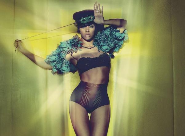 Trong năm nay, tạp chí W cũng đăng tải một hình ảnh của Beyonce mà chính fan của cô cũng phải thừa nhận rằng nó đã bị chỉnh sửa nhiều quá mức.