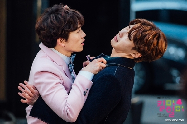 """Những """"cặp đôi"""" mĩ nam màn ảnh Hàn khiến nữ chính bị"""