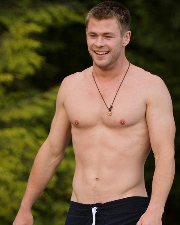 Trước khi vào vai Thor,Chris Hemsworth chưa bao giờ đẩy tạ hay tập thể hình.