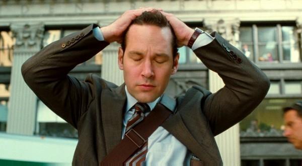 Paul trong This is 40 là một ông chú đúng mẫu với nét mặt rầu rĩ của nhân viên văn phòng và cái bụng bèo nhèo.