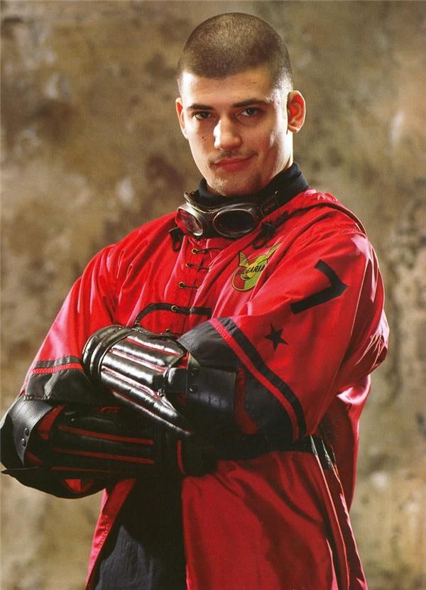 Krum là tầm thủ của đội Quidditch Bulgaria tham dự Cup Quidditch Thế giới trong phần 4, Harry Potter và Chiếc Cốc Lửa.