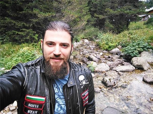 Stanislav Yanevski (hay còn được gọi là Stanislav Ianevski) sinh ngày 16/05/1985 tại Sofia, Bulgaria.