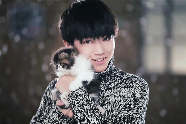 Vương Tuấn Khải là trưởng nhóm nhạc trẻ đình đám nhất Trung QuốcTFBoys.