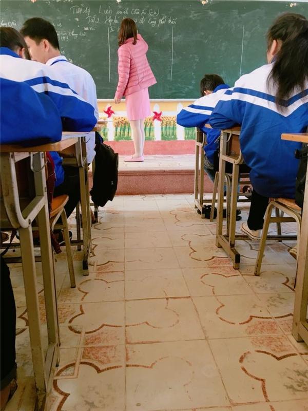 Cô giáo em cũng yêu màu hồng như bọn teen chúng em vậy.(Ảnh: Internet)