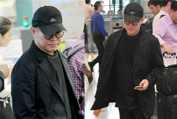 Hình ảnh Lý Liên Kiệt tại sân bay Hồng Kiều - Thượng Hải ngày 26/10.