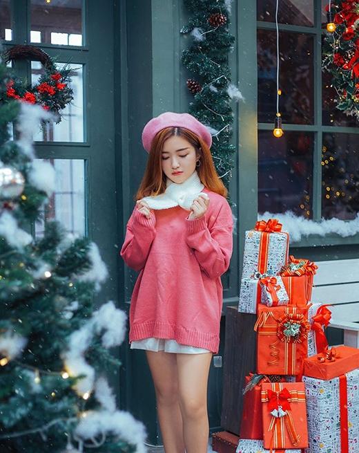 Giáng sinh sắp đến, các cô gái của chúng ta cũng đã bắt đầu lên đồ cho concept đẹp nhất năm rồi.